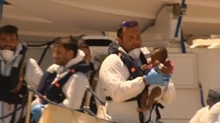 Raw: Italian Coast Guard Rescues Migrants at Sea