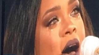 Rihanna Breaks Down in Tears During Dublin Concert!