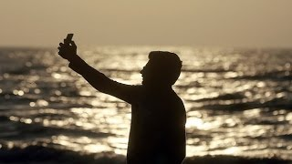 Selfie clicking ends in loss of 7 young boys while bathing in river Ganga