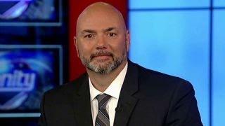 Former Secret Service officer calls Clinton a 'dictator'