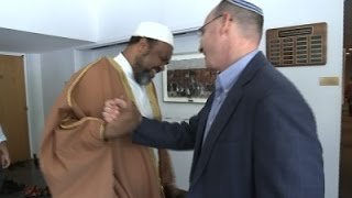 Finding Common Ground, Muslims Pray at Synagogue