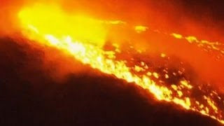 Raw: Fire Threatens Homes in Northern Oregon