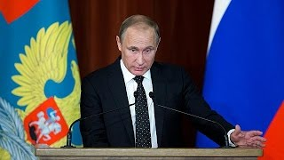 Putin rejects new arms race and builds bridges with Turkey