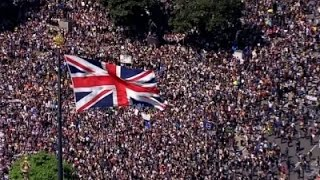 Raw: Thousands Rally in London Against Brexit