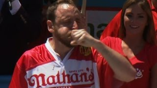 Raw: Chestnut Upsets Defending Champ at Nathan's