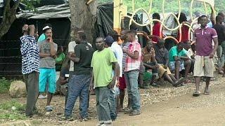 Costa Rica bottleneck traps hundreds of African migrants