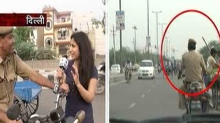 Sansani: Delhi police cops caught breaking traffic rules with audacity