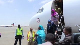 Sudan starts evacuating its nationals from S.Sudan