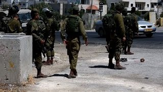 Palestinian stabs two Israeli soldiers before being shot