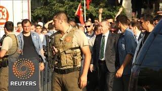 Lira falls as Turkey purge deepens
