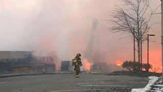 Raw: Fire Rips Through Town in Washington State