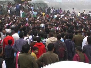 Rape Ki Ghatna Ke Baad Gusai Bhid Ne Kiya Ring Road Jaam (Delhi)