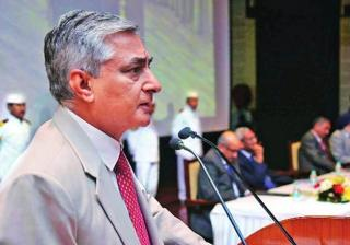 Justice TS Thakur takes oath as the next Chief Justice of India.