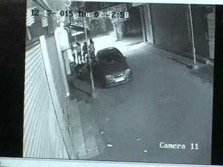 दबंगों की कार से बाइक हुई टच, बदमाशों ने की 3 युवकों की पिटाई (Delhi)