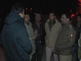 ट्रॉली बैग में मिली महिला की लाश (Delhi)