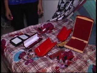 दिल्ली : चोरों ने की एक साथ 6 घरों में चोरी