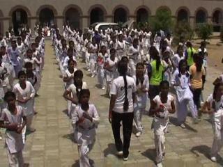 सरकारी स्कूल में लड़कियों को दी गई सेल्फ डिफेन्स की ट्रेनिंग