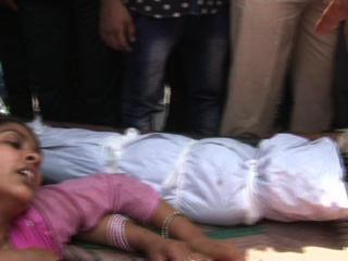 दिल्ली : PWD के खुले नाले में गिरे दो बच्चे, 1 की मौत