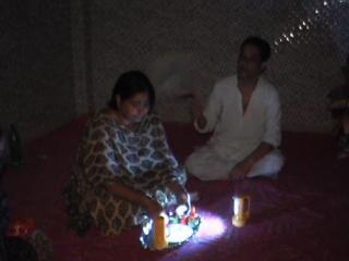 दिल्ली में बिजली की किल्ल्त, परेशान लोग