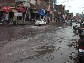 एम्स में गंदा पानी जमा होने से डॉक्टर्स खुद हो रहे हैं बीमार