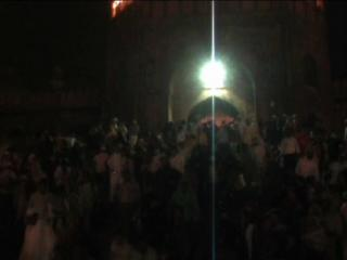 ईद मुबारक : देश में प्यार मोहब्बत से मनाई जा रही है ईद