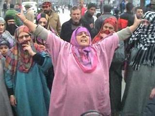फूड सिक्योरिटी बिल के खिलाफ सड़कों पर महिलाएं