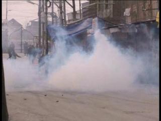 श्रीनगर में फिर 'तनाव का शुक्रवार', नमाज के बाद बिगड़े हालात