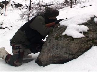 कुपवाड़ा में सेना और आतंकियों की मुठभेड़, दो जवान शहीद