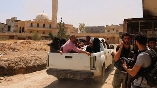 Aleppo: Syrian rebels evacuate civilians from the frontline