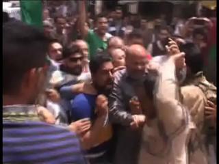 सैनिक कॉलोनी के विरोध में रशीद का प्रदर्शन, गिरफ्तार
