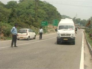 जम्मू पहुंचे अमरनाथ यात्री बोले - एेसा लगा हम पाकिस्तान में हैं