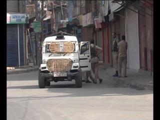 दक्षिण कश्मीर में फिर तनाव, झड़प में 3 की मौत