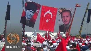 Tens of thousands rally behind Erdogan in Turkey