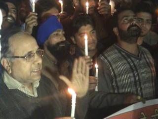 शहीदों को दी गई श्रद्धांजलि, लोगों में पाया गया रोष