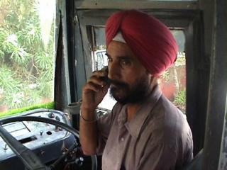 पंजाब रोडवेज़ बस चालक अब नहीं कर सकेंगे मोबायल फ़ोन का प्रयोग