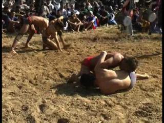 ग्रामीण स्तर पर कुश्ती मेलों का आयोजन शुरू