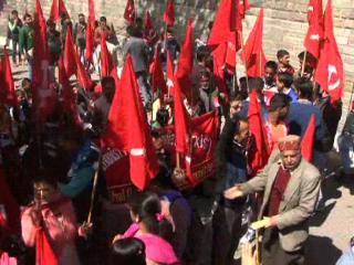 सीपीआईएम ने विधानसभा के बाहर सरकार के खिलाफ किया विरोध प्रदर्शन