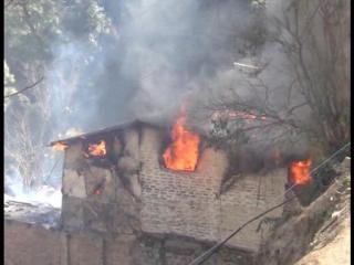 भयानक आग में जिंदा जली 22 वर्षीय युवती, 3 घर हुए राख