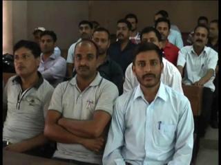 हजारों पीटीए अध्यापकों ने उठाई 'यह' मांग