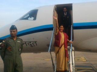 हार्ट आॅफ एशिया कांफ्रेंस में भाग लेने के लिए सुषमा स्वराज इस्लामाबाद पहुंची