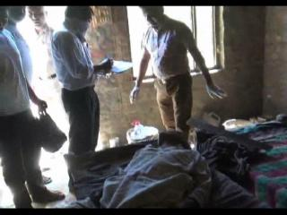 अज्ञात कारणों के चलते व्यक्ति की डंडों से पीट-पीटकर हत्या