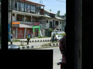 अनंतनाग में दूसरा आतंकी हमला, दो पुलिस जवान शहीद