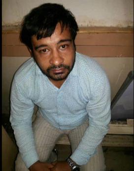 करोड़ो का कैश लेकर भाग रहे चोर को पुलिस ने दबोचा