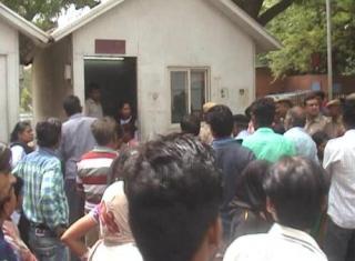 दिल्ली : डॉक्टर हड़ताल पर, 70 वर्षीय बुजुर्ग महिला की मौत