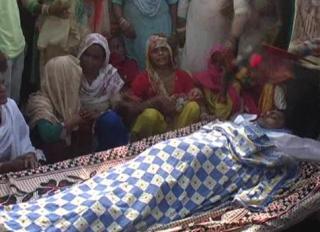 युवक की मौत के बाद परिजनों ने किया हंगामा