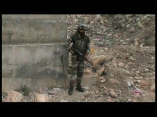 घाटी में कर्फ्यू जारी, जगह-जगह तैनात रही फोर्स