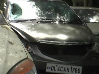 बेकाबू होंडा सिटी कार ने 3 लोगों को रौंदा, 2 की मौत