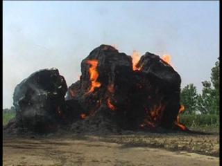 मुजफ्फरनगर में आग का कहर, कोल्हू के 9 कूप जलकर खाक