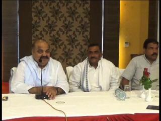 भीड़ जुटाने के लिए BJP ने किया फोटो का गलत इस्तेमाल-अतीक अहमद