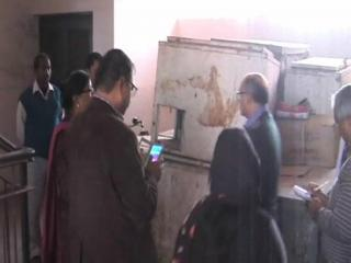 गाज़ीपुर में सरकारी अस्पताल का खस्ताहाल